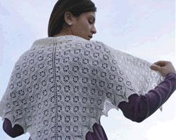 Шаль: модно и тепло во все времена