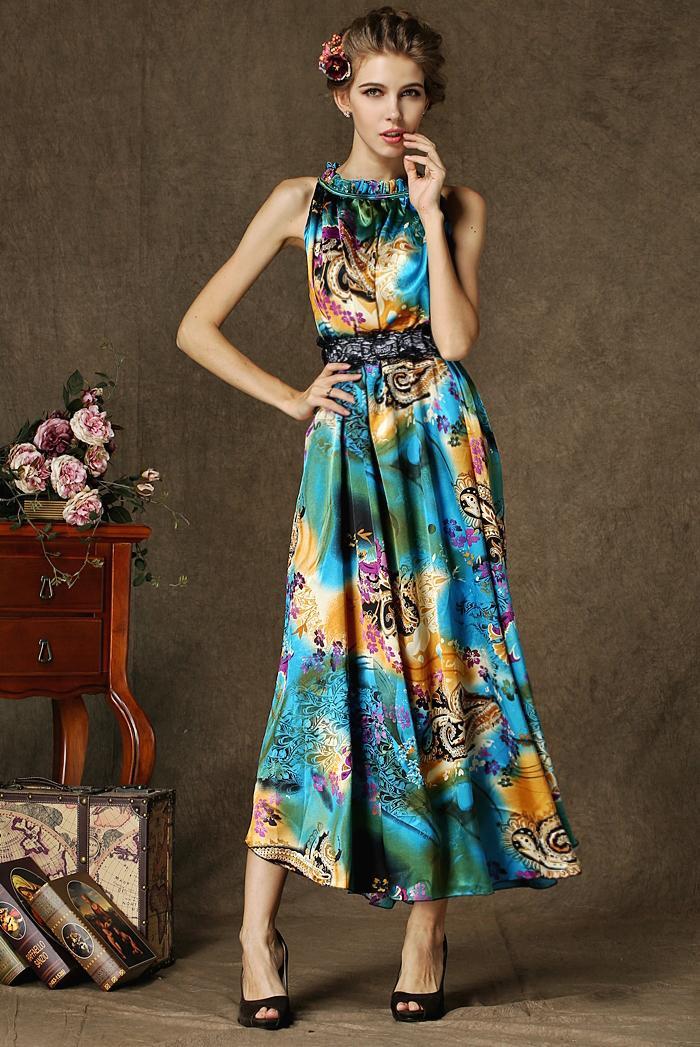 Цветочный принт в платьях