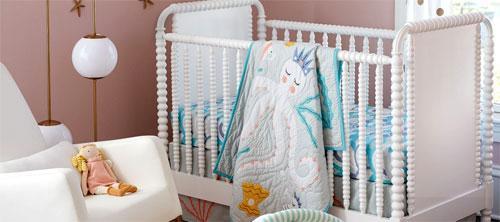 Как выбирать белье в кроватку ребенка