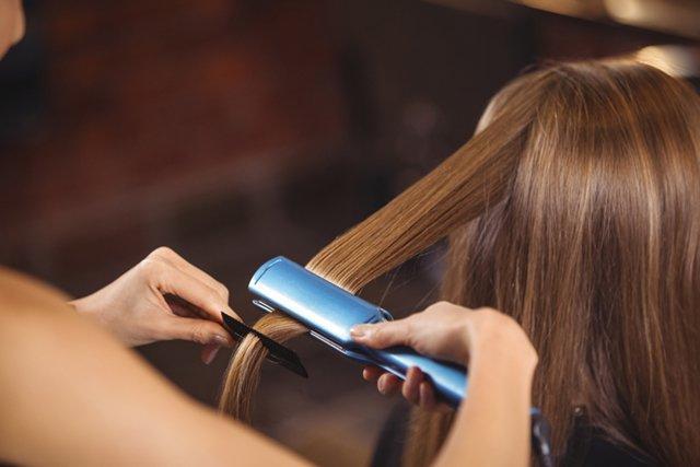 Какие существуют профессиональные процедуры для восстановления волос?